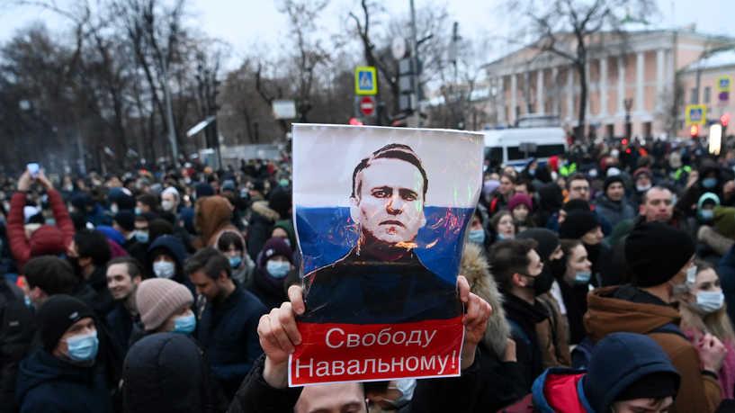 نافالني الذي أحرج المخابرات الروسية واقتحم حرم بوتين الخاص