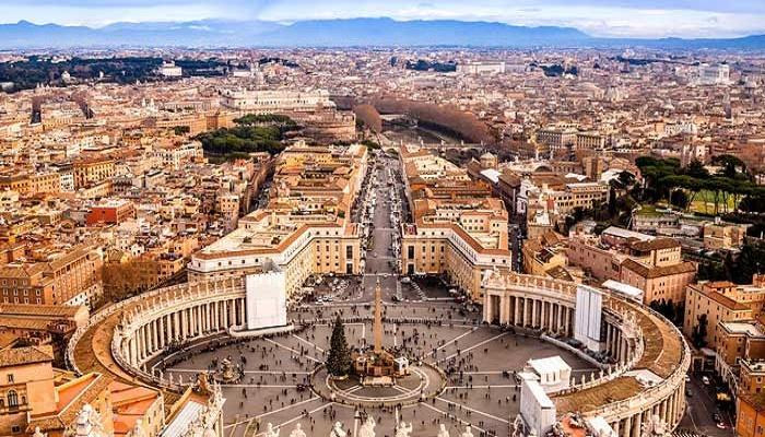 الفاتيكان يوجّه دعوة عاجلة للحريري!