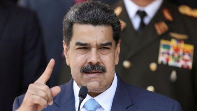 الرئيس الفنزويلي تلقح..روسيًا