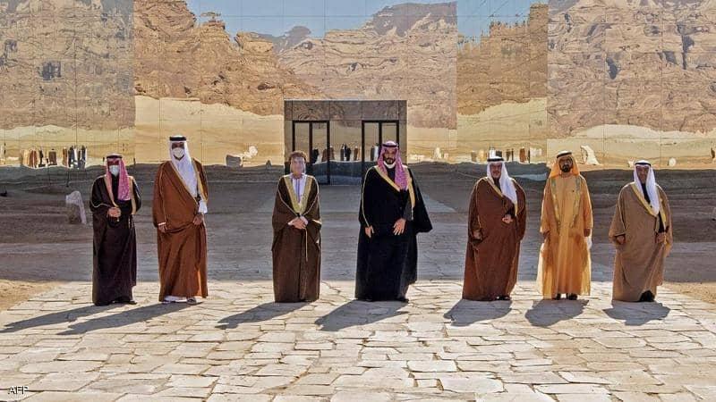 وفدان من الإمارات وقطر يلتقيان في الكويت لمتابعة بيان العلا