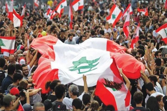 عام على ١٧ تشرين.. ماذا تغير في لبنان؟