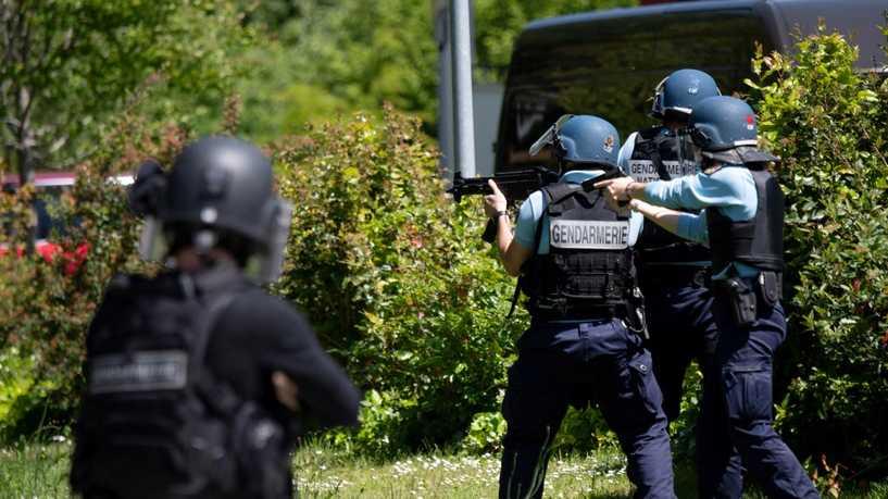 هل تنشر إيران الإرهاب في فرنسا عبر