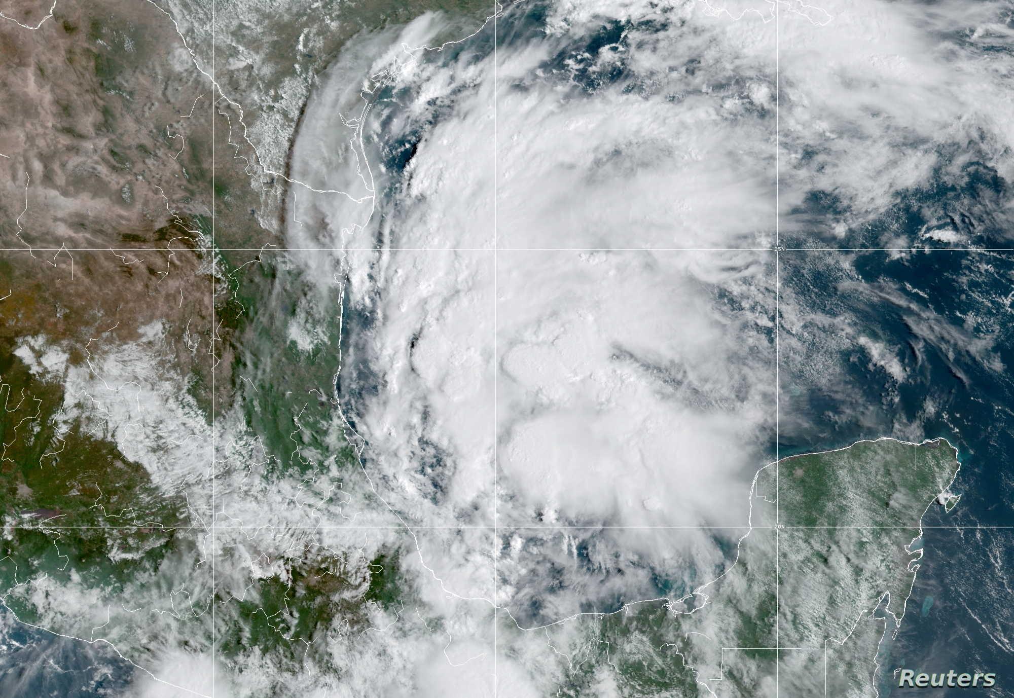 الولايات المتحدة.. نيكولاس يتحول إلى إعصار ويقترب من هيوستن